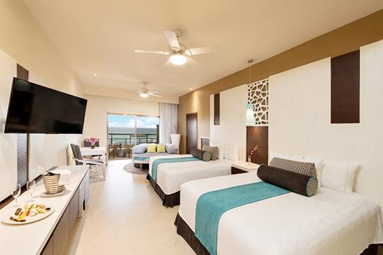 el-dorado-seaside-suites-jacuzzi